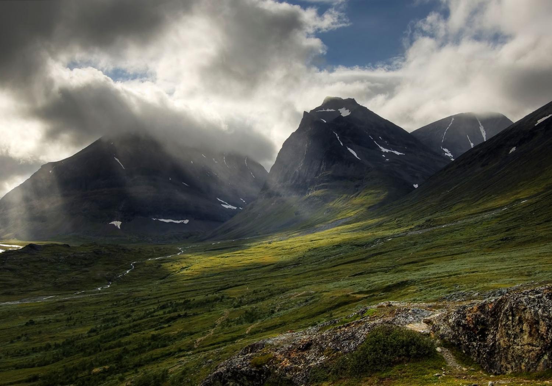 Der Berg Duolbagorni im Kebnekaisetal, Lappland, Schweden